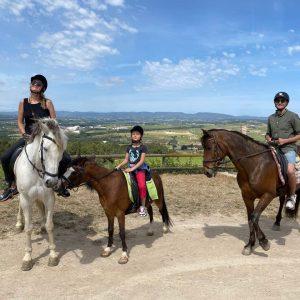 paseo a caballo en el penedés más picnic