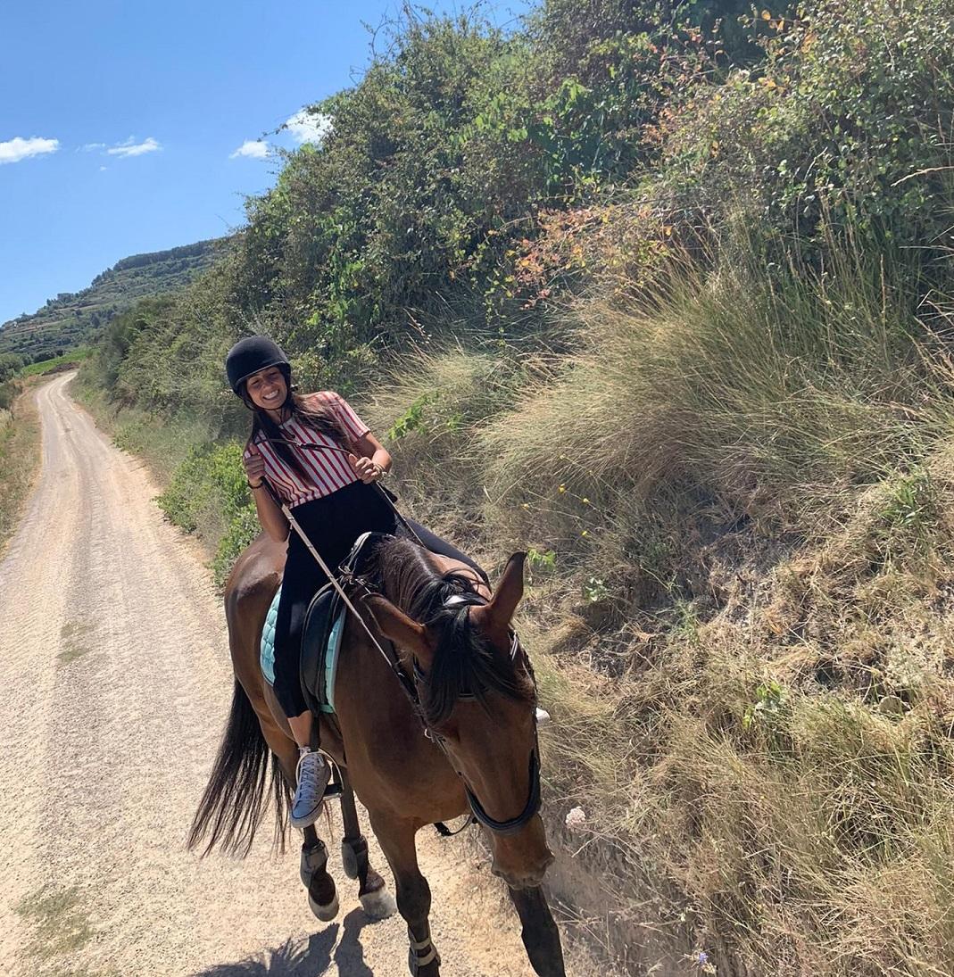 paseo a caballo cerca de barcelona